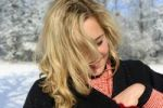 Thumbnail Young blond woman in winter
