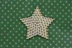 Thumbnail Star on Christmas wrapping paper