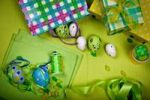 Thumbnail Easter decoration with Easter eggs and sweets