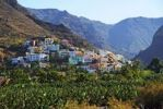Thumbnail Village of La Calera and a banana plantation, Fei banana (Musa troglodytarum), Valle de Gran Rey Valley, La Gomera, Canary Islands, Spain, Europe