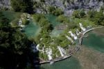 Thumbnail Lake with boardwalk from above, Plitvice Lakes National Park, UNESCO World Heritage Site, Croatia, Europe