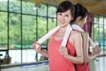 Thumbnail Young Asian woman in gym, China, Asia