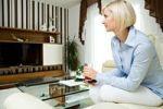 Thumbnail Young woman at home