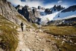 Thumbnail Hikers in Tre Cime di Lavaredo or Drei Zinnen region in autumn, Dolomite Alps, Italy, Europe