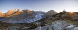 Thumbnail Aletsch Glacier at first morning light with photographer, from Moosfluh, Riederalp, Valais, Switzerland, Europe