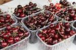 Thumbnail Cherries in plastic containers