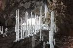 Thumbnail Icicles in Oswaldhoehle cave near Muggendorf, Wiesenttal Valley, Franconian Switzerland, Upper Franconia, Franconia, Bavaria, Germany, Europe