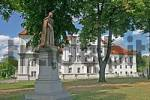 Thumbnail BRD Germany Brandenburg Oranienburg View of Castle Oranienburg with Statue of Princess under the Trees