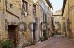 Thumbnail narrow lane in Pienza Tuscany Italy
