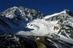 Thumbnail Glacier and peak on the north face of Pisang Peak Nar Nar-Phu Annapurna Region Nepal