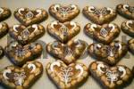 Thumbnail Heart-shaped gingerbread
