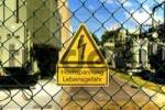 Thumbnail danger sign, high voltage