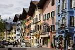 Thumbnail historical townhouses in city of Kitzbühel Tyrol Austria