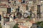Thumbnail houses of the city of tuff Sorano, Tuscany, Italy