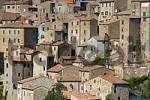 Thumbnail houses of the city of tuff Sorano, Tuscany, Italy