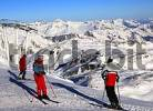 Thumbnail Skiers on top of Pointe de la Masse 2840 m Les Menuires ski resort Trois Vallees France
