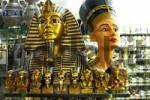 Thumbnail Egypt, Hurghada Airport, Souveniers Tutanchamun, Nofretete