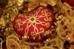 Thumbnail Ornate heart-shaped Christmas ornament