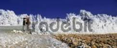 Thumbnail Raised hide in a frost-covered field, trees under a deep blue sky near Eichstaett, Pietenfeld, Bavaria, Germany, Europe