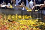 Thumbnail Distribution of an enormous paella at the Fiesta St. Joan, Altea, Costa Blanca, Spain, nationaltypically, food