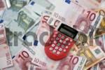 Thumbnail Euro banknotes with calculator