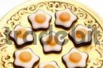 Thumbnail Fondant stars on a golden plate