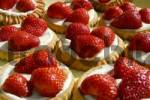 Thumbnail little tartlets with fresh strawberries