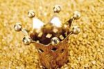 Thumbnail Golden crown on gold nuggets