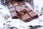 Thumbnail Bar of chocolate in silver paper