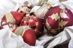 Thumbnail Red Christmas tree baubles in paper