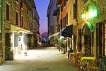 Thumbnail in springtime the restaurants are seldomly visited in the tourist town of Sirmione, Lake Garda, Italy
