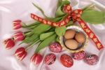 Thumbnail Easter setting with eggs and tulips