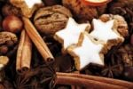 Thumbnail Cinnamon stars with Christmas decoration