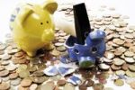 Thumbnail Piggy bank smashed by a hammer