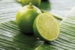 Thumbnail Limes on banana leaves