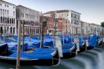 Thumbnail Gondolas on the Grand Canal, Canal Grande, in the morning / Venedig, Venezien, Italy, Europe