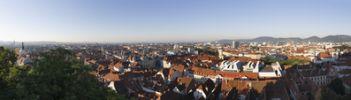 Thumbnail Panorama-Blick vom Schlossberg, links Dom, Mitte Rathaus, rechts Mariahilferkirche, Graz, Steiermark, Oesterreich, Europa, OeffentlicherGrund