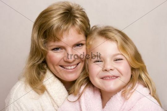 5 year old girl with her mother, 31 years old