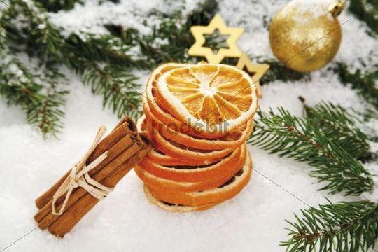 Dried Orange Slices With Cinnamon Sticks A Christmas Tree