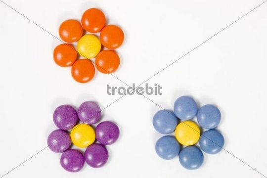 Flowers made of coloured confectionary