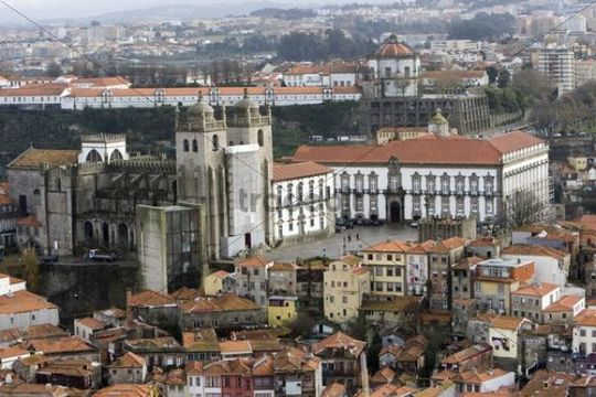 Historic centre of Porto with the Cathedral, Porto, UNESCO World Heritage Site, Portugal, Europe