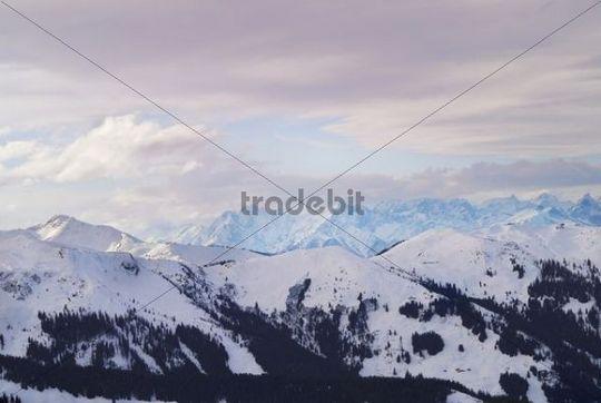 Foehn window above the snowy Central Alps, evening mood, Wildschoenau, Tyrol, Austria, Europe