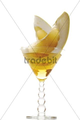 Honey Pomelo, slices in a drink