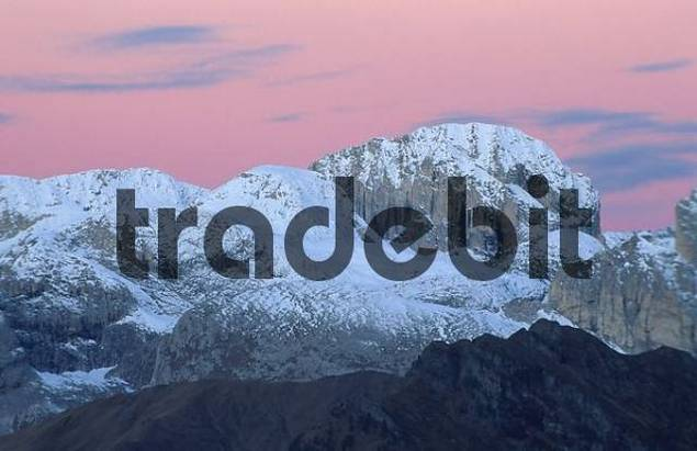 Kesselkogel at dawn, Dolomites, South Tyrol, Italy