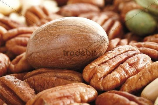 Pecans and mixed nuts, full format