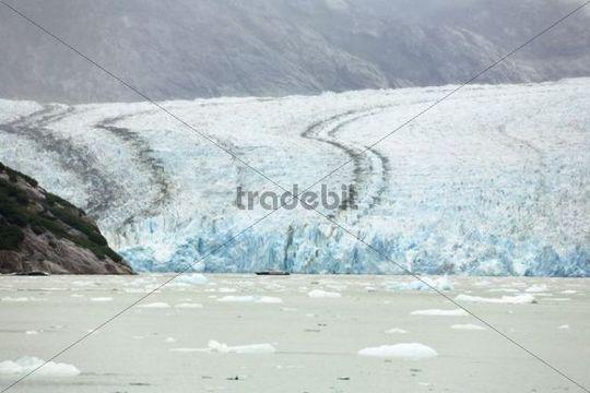 Tourist ship in front of Dawes Glacier, Endicott Arm, Inside Passage, Southeast Alaska, Alaska, USA, North America