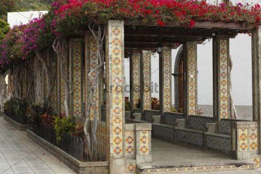 Pergola on plaza espa a square in tazacorte la palma for La pergola palma
