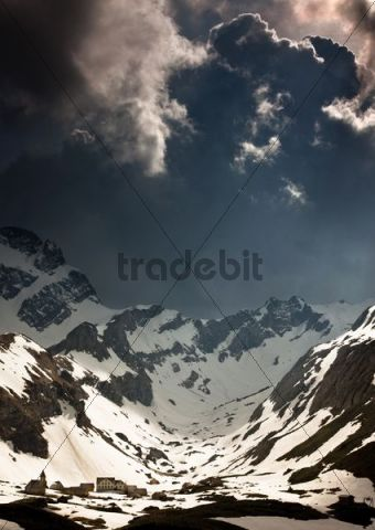 Stormy atmosphere in the Alpstein mountain range, Meglisalp, Saentis, Altmann, Swiss Alps, Switzerland, Europe