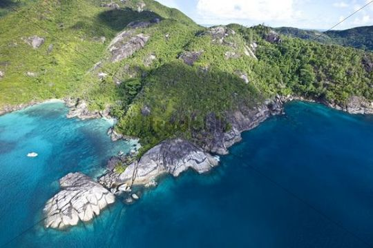The coast of Anse Major, with the typical granite rocks of the Seychelles, Mahe Island, Seychelles, Indian Ocean, Africa