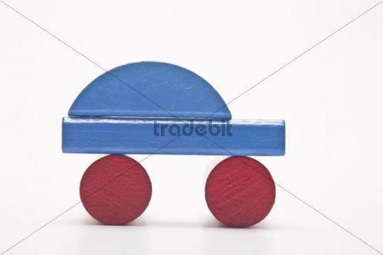 Blue car, made of building bricks